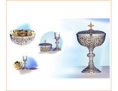 Chalice-ciborium of silver convertible