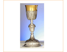 Chalice of silver with a knot in the form of acorn