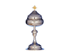 Ciborium with silver base, node and cup chiseled