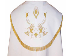 A cape with a lining of white satin