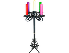 Advent wreath with five candles of colors