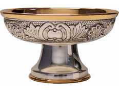 Paten chiseled with gold plated interior