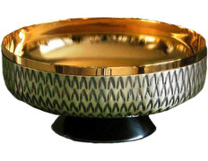 Paten metal chiseled with gold plated interior